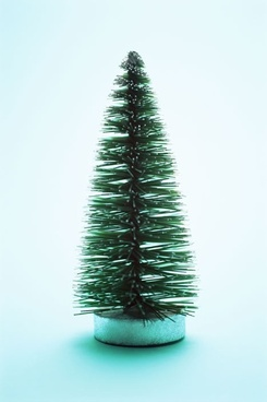 green_simple_christmas_tree_170131_1.jpg